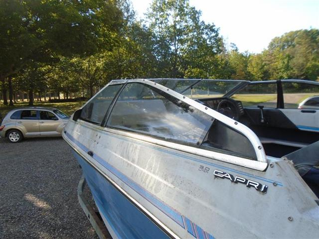 1989 Bayliner 3.0 Capri 2150 Bowrider Complete Windshield - Click Image to Close