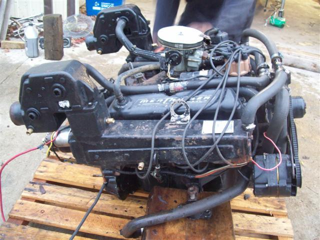 MerCruiser 233 V8 Motor Engine for sale MerCruiser 233 V8 Engine